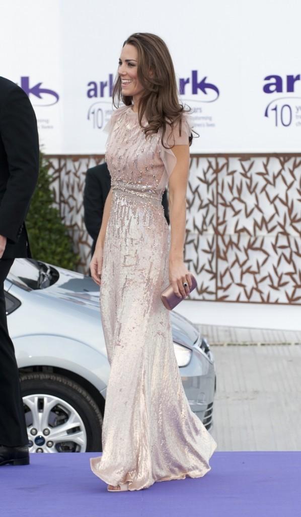Kate Middleton se rend au dîner du Gala Ark !