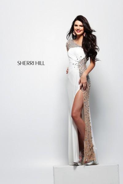 Kendall Jenner pour Sherri Hill.
