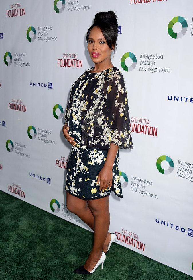 """Photos : Kerry Washington : La star de """"Scandal"""" affiche son ventre rond sur le red carpet !"""