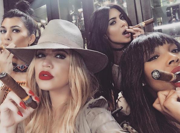 Photos : Kim Kardashian : à peine rentrée de Cuba, elle pose déjà pour Vogue !