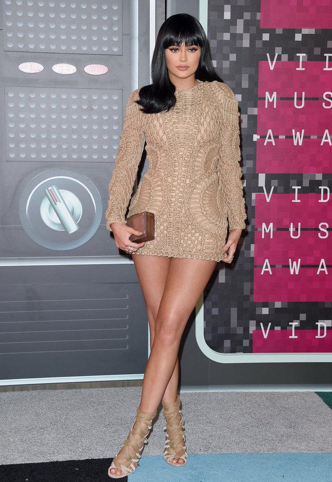 Photos : Kylie Jenner : De l'adolescente discrète à la bimbo provocante… Découvrez son CV Fashion !