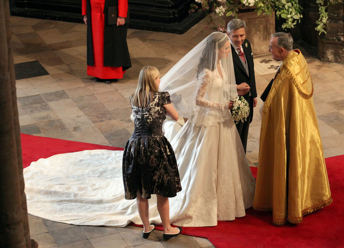 Photos : La robe du mariage de Kate Middleton au coeur d'un scandale !