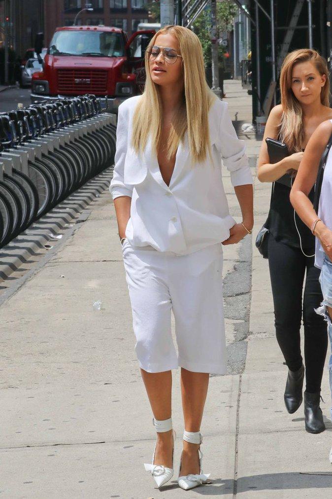 Rita Ora en shooting dans les rues de New York, le 14 Juillet