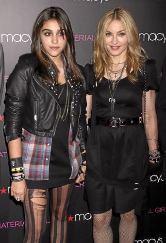 Deux filles, un style