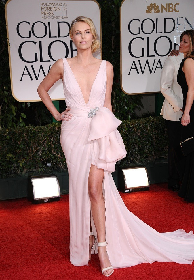 Charlize Theron, la Barbie !