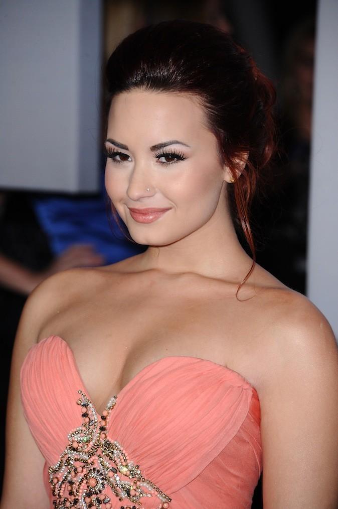 Demi Lovato et son piercing au nez