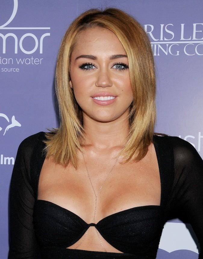 Miley Cyrus et son piercing au nez