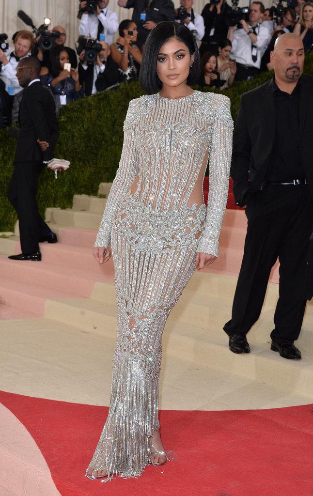 Kylie Jenner sur le red carpet du Met Gala 2016