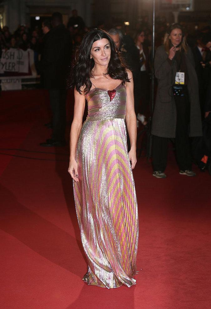 Jenifer porte une robe Gucci