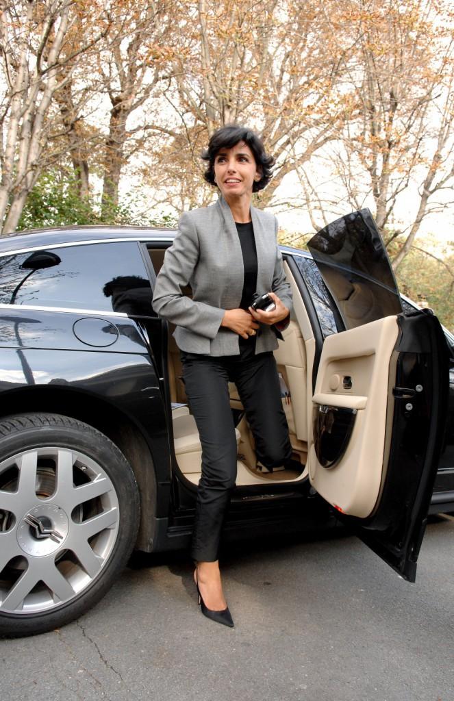 """04/10/2007 : Rachida Dati arrive au Studio Gabriel pour l'émission de Michel Drucker, """"Vivement dimanche"""""""