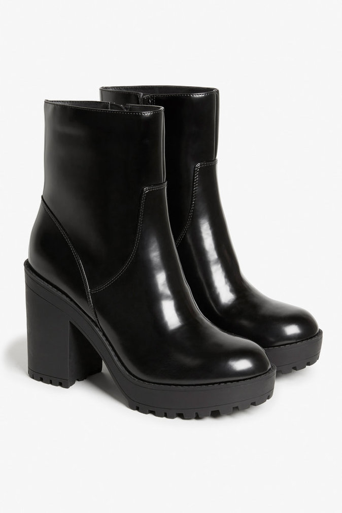 Bottines montantes – MONKI – 45€