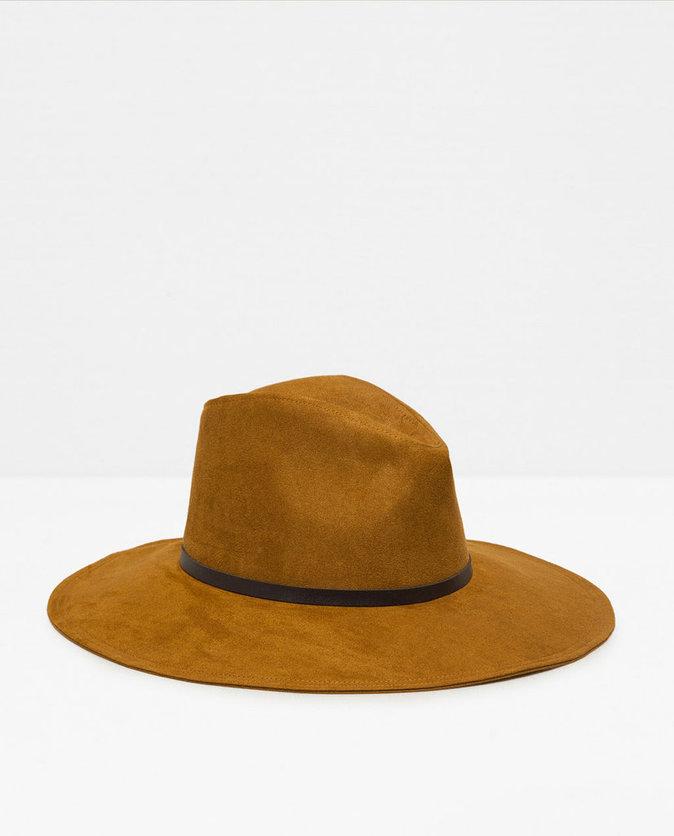 Chapeau bord large – ZARA – 19,95€