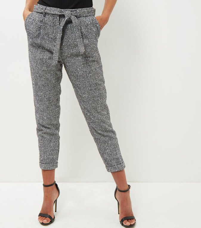Pantalon pince gris souris – NEW LOOK – 29,99€