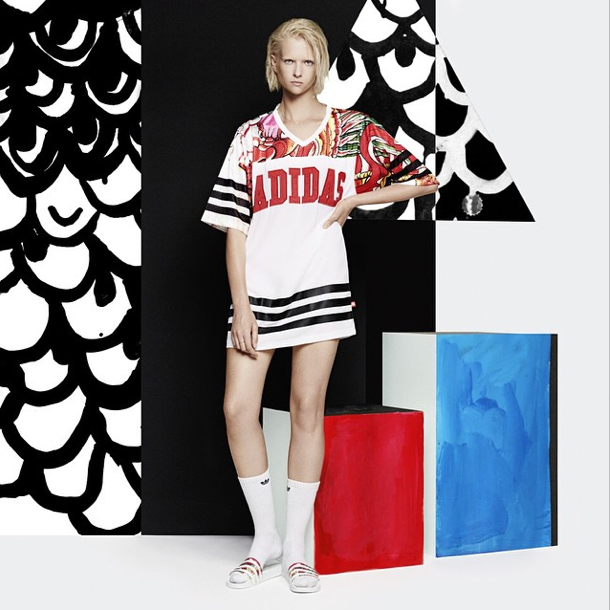 Rita Ora pose pour Adidas
