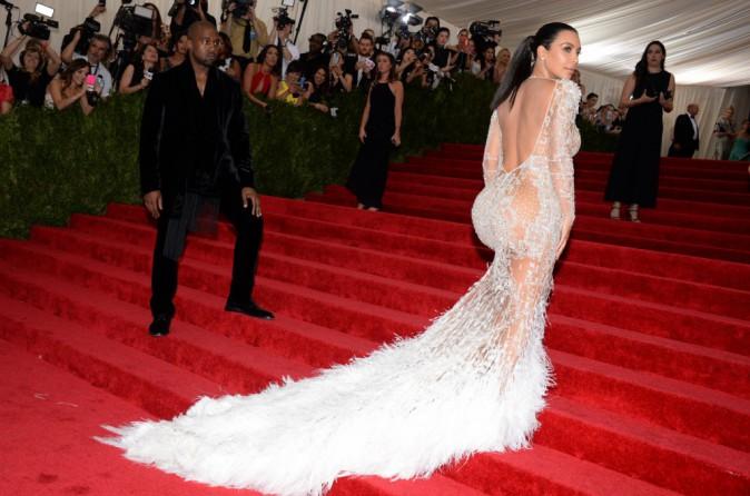 Kim Kardashian en robe signée Peter Doundas pour Roberto Cavalli