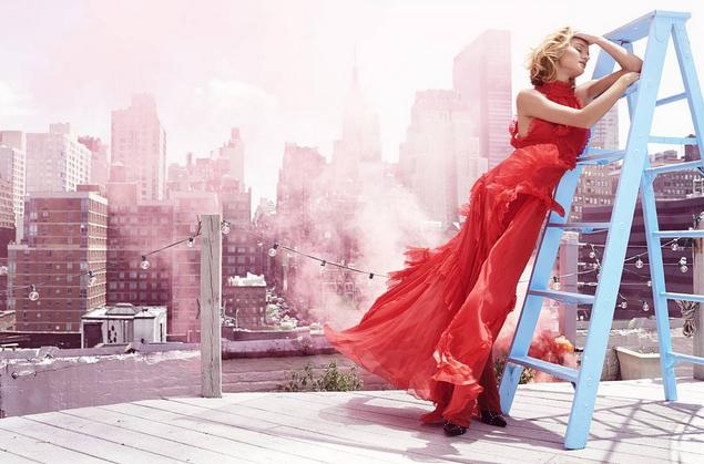 Photos : Rosie Huntington-Whiteley : éblouissante, elle s'offre deux une pour Haper's Bazaar !