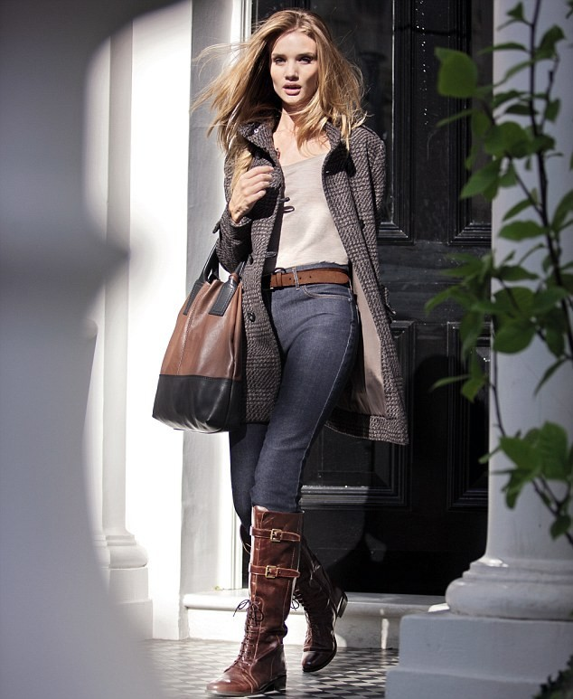 Rosie Huntington-Whiteley pour Marks & Spencer !