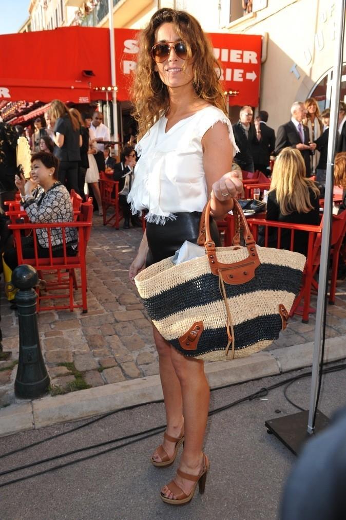Mademoiselle Agnès : Indémodable, le Balenciaga ne quitte plus la papesse de la mode depuis trois ans !