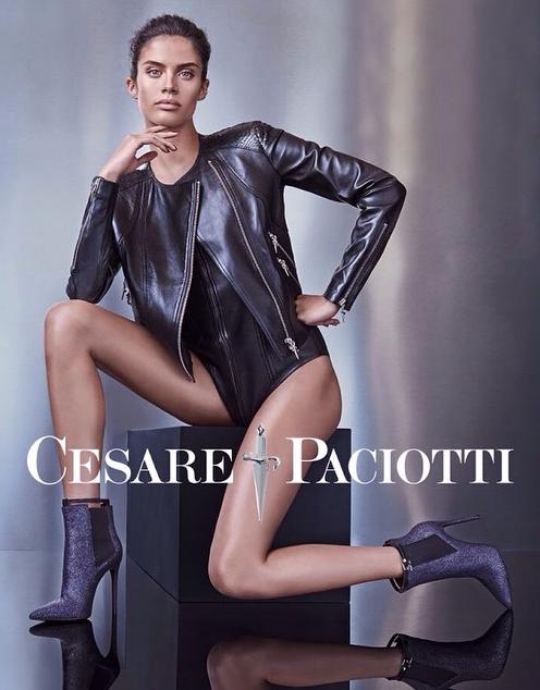 Sara Sampaio pour la dernière campagne Cesare Paciotti