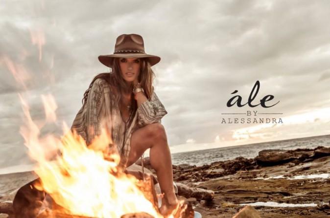 Photos : Sauvagerie à l'état pure, la bombe Alessandra Ambrosio pose pour sa marque Ale !