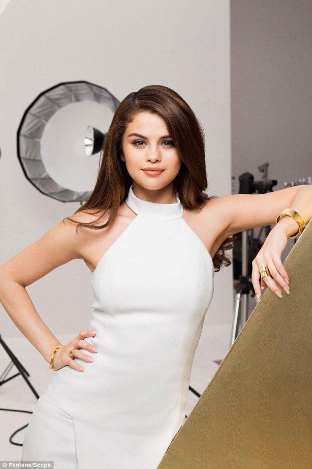 Photos : Selena Gomez : Egérie ultra chic et élégante pour Pantene !