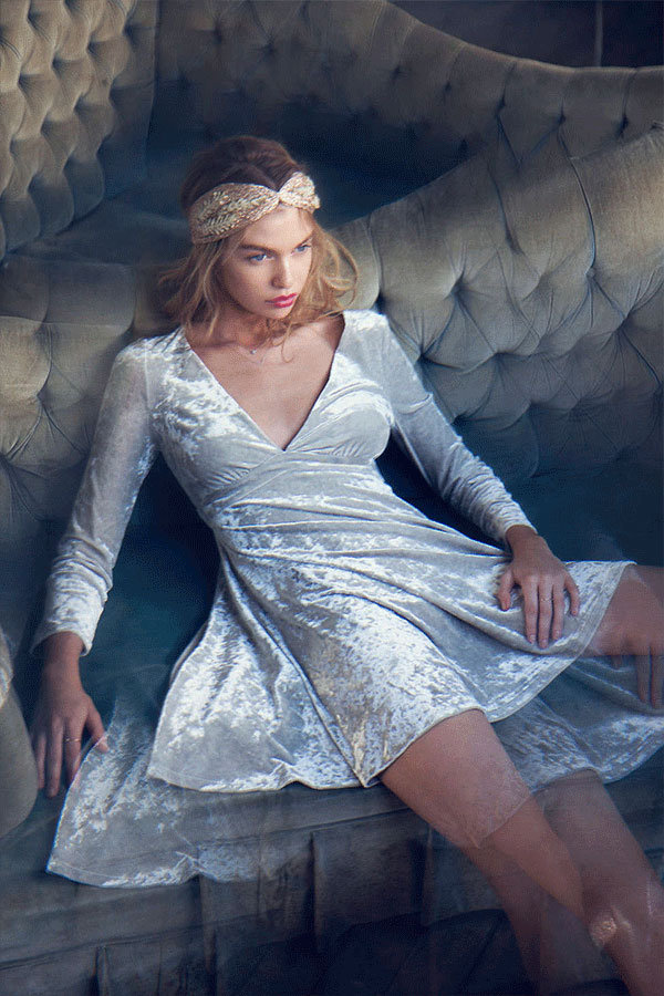 Stella Maxwell : beauté candide pour Urban Outfitters !