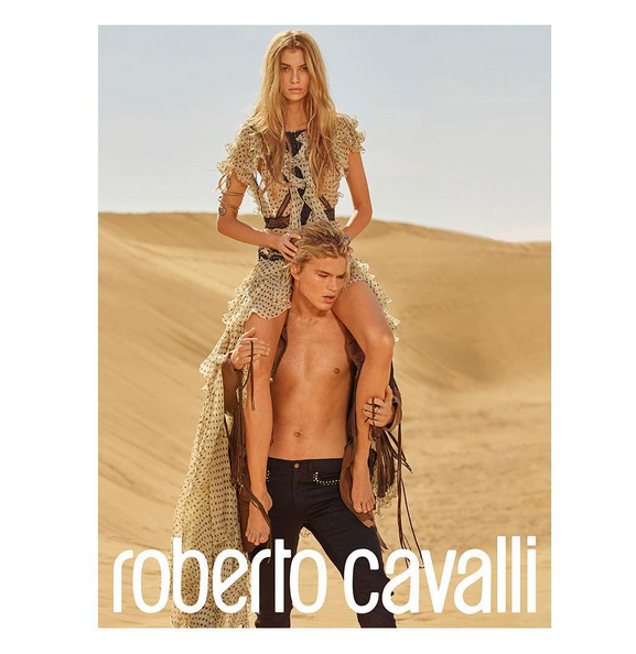 Stella Maxwell : La chérie de Kristen Stewart se dévoile pour Roberto Cavalli !