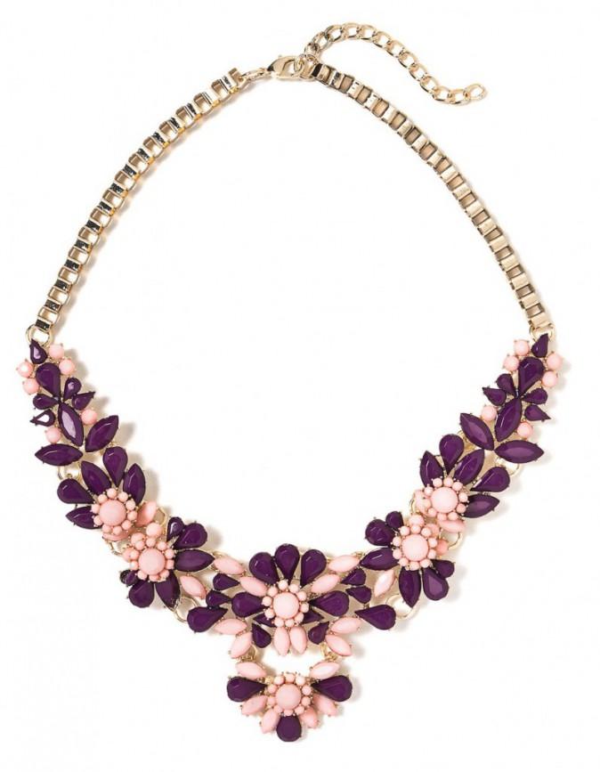 Le collier graphique : Sisley, 49 €