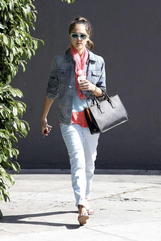 Jessica Alba : baba cool !