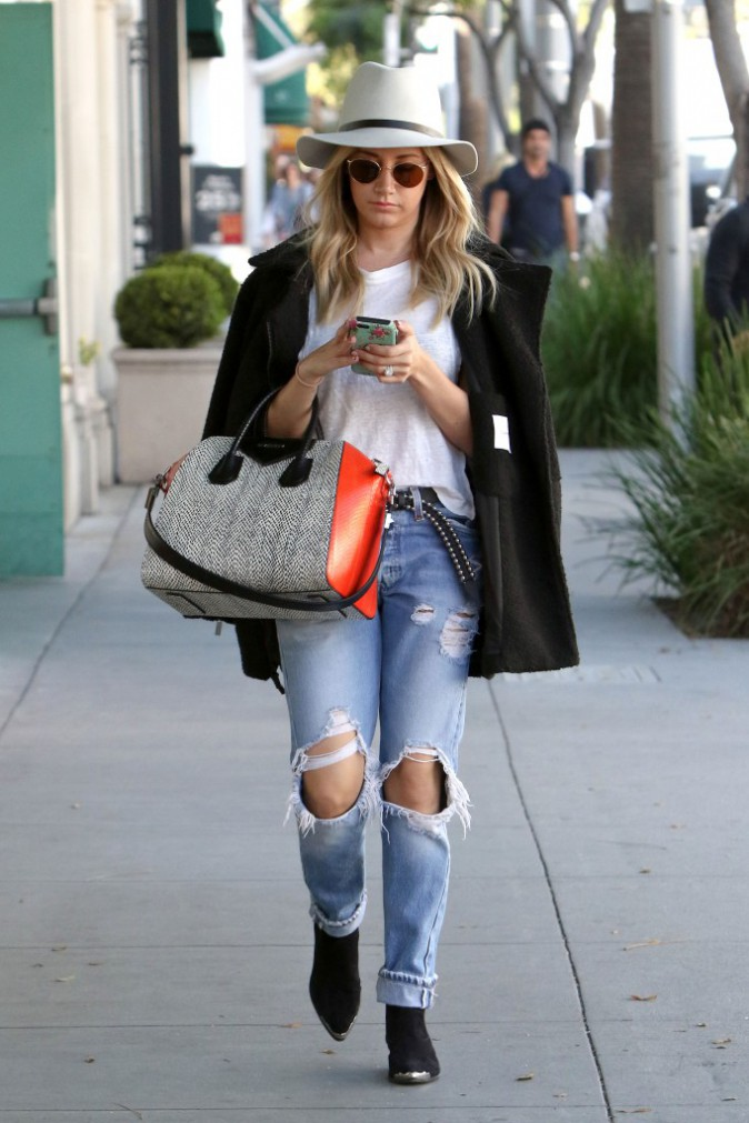 Le jean boyfriend d'Ashley Tisdale
