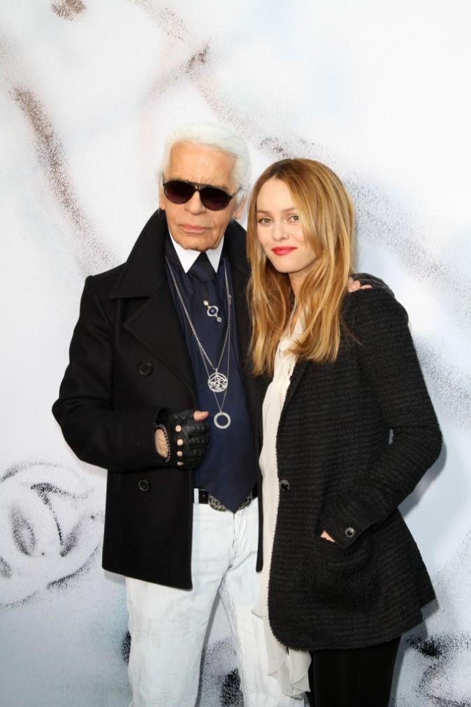 09/03/2010 : Vanessa Paradis avec Karl Lagerfeld au Grand Palais à Paris