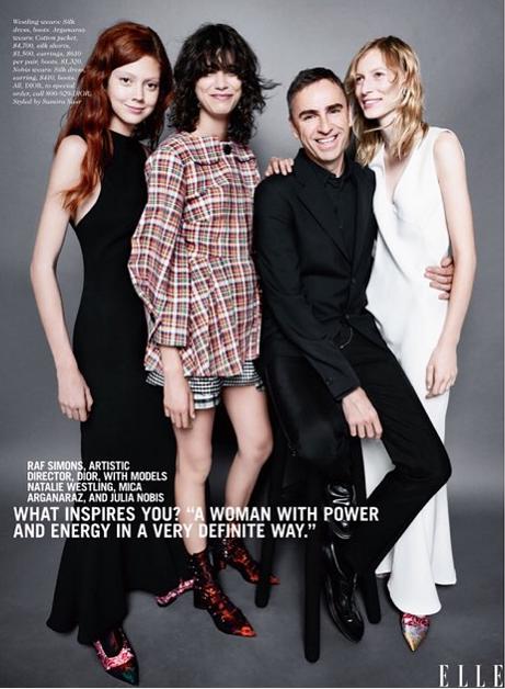 Raf Simons de chez Dior avec Natalie Westling, Mica Arganaraz et Julia Nobis