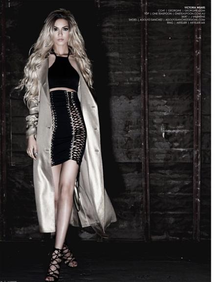 Photos : Victoria Justice : la brunette piquante se la joue fatale en bimbo blonde !