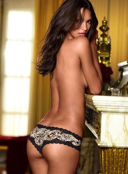 Lais Ribeiro pour la Very Sexy Collection