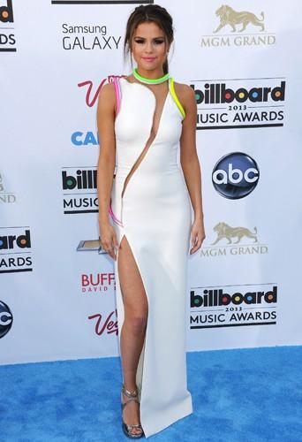 Selena Gomez en Atelier Versace aux Billboard Music Awards, le 19 mai 2013.