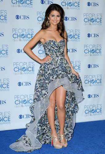 Selena Gomez Irina Shabayeva en aux People's Choice Awards le 5 janvier 2011.