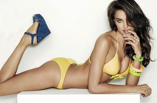 Irina Shayk pour Agua Bendita : Jaune et jolie !