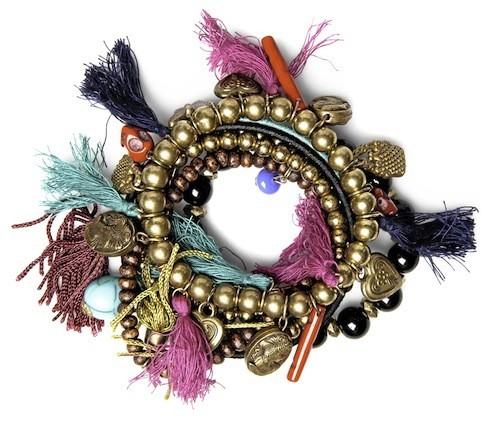 Bracelet éthique à pompons, Pull&Bear 12,99€