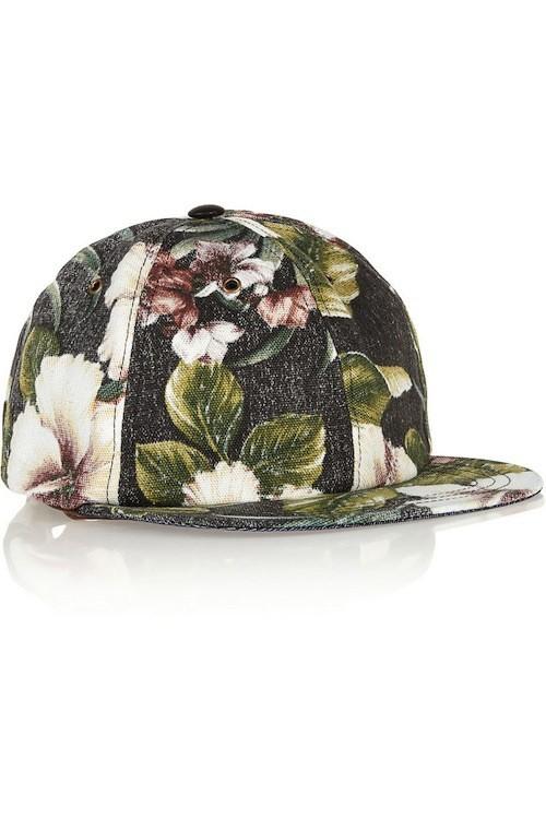 Casquette Tropical Flower Zilla, Ale et Ange, sur net-a-porter.com 358,80 €
