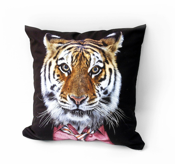 Coussin tigre, Acrila 159 €