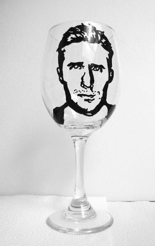 Verre à vin peint à la main, Real Glass Act sur etsy.com 18 €