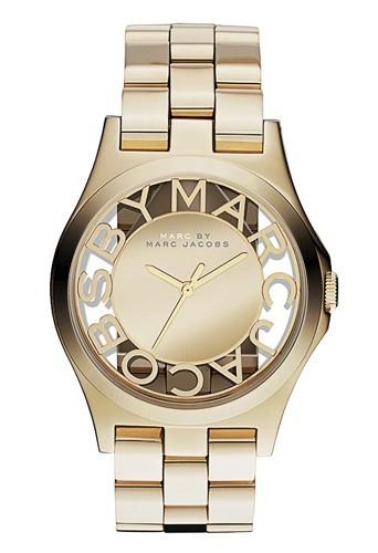 Bracelet en acier doré, Marc by Marc Jacobs, 249 €.