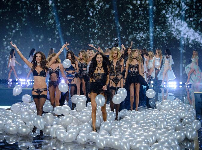 Victoria's Secret : alerte au scandale Photoshop ! Découvrez la photo polémique !