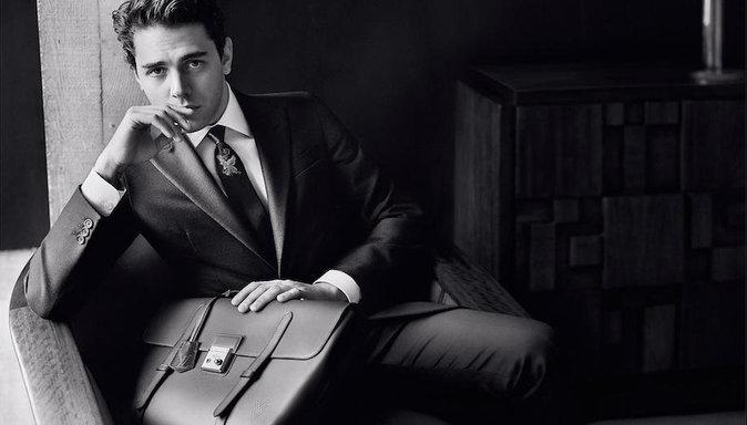 Xavier Dolan : face caméra pour Louis Vuitton dans un film en noir et blanc