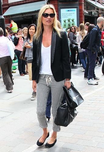 Kate Moss portant un pantalon Isabel Marant