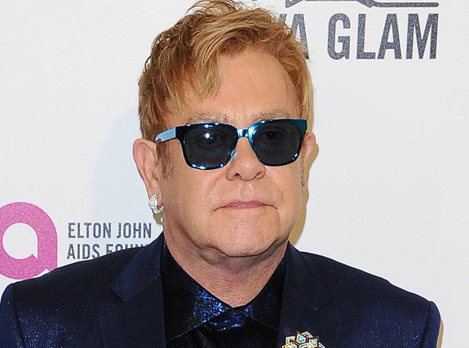 Accusé d'harcèlement sexuel, Elton John contre-attaque