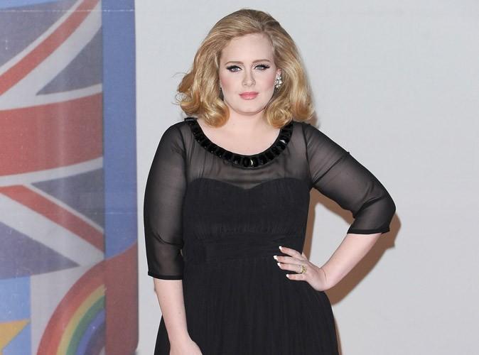 Adele mariée ? Elle dément !
