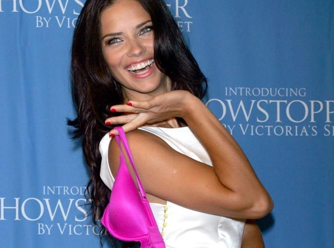 Adriana Lima : au régime sec, l'ange de Victoria's Secret apporte sa salade au restau !