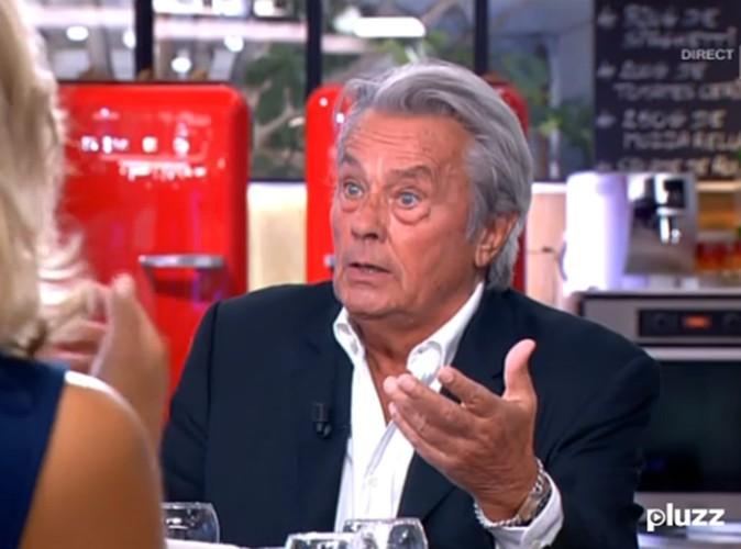 """Alain Delon : le producteur de """"C à vous"""" répond à la polémique !"""
