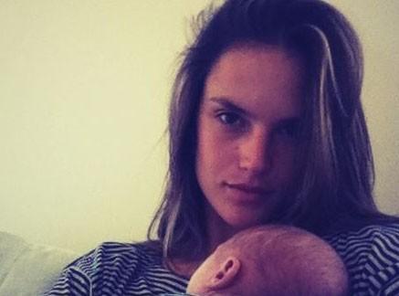 Alessandra Ambrosio : enfin une photo avec son petit Noah !